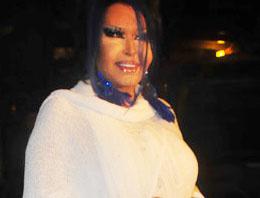 Diva fotoğrafını çeken hayranını tokatladı!