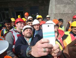 Kadir Topbaş'tan 'şantiye selfie'si TIKLA