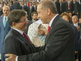 Erdoğan ve Davutoğlu'nun kıyafetleri nasıldı?