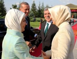 Emine Erdoğan ile Hayrünnisa Gül o an dayanamadı