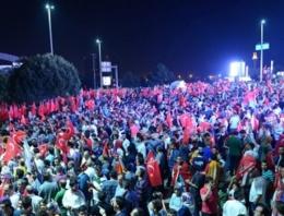 Erdoğan'a İstanbul'da coşkulu karşılama