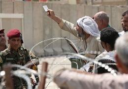 IŞİD isyanı! Askerlerin aileleri meclisi bastı!