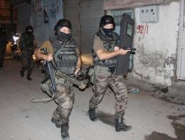 Gazi mahallesinde terör operasyonu