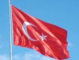 Şırnak'ta Türk bayrağı indirilip yakıldı!