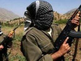 Yol kesen PKK iş makinelerini yaktı!