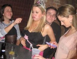 Genç kızın doğum günü partisi kötü bitti