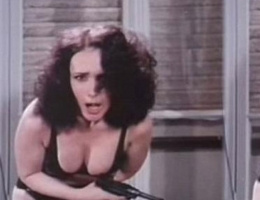Erotik filmleri yüzünden okuldan kovuldu