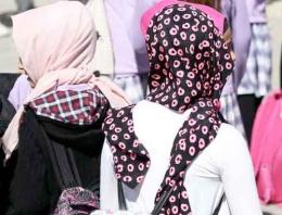 Başörtüsü örtme töreni yeni 'dindar' modası