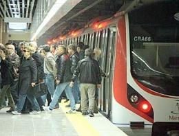 İstanbul'da Marmaray şoku! Seferler durdu!