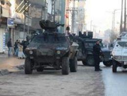 Cizre'de polise Belediye'de silahlı saldırı!