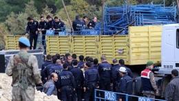 Ermenek'e giden Erdoğan ve Davutoğlu'na polisten ilginç önlem