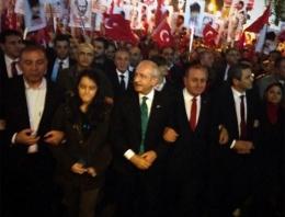 Kılıçdaroğlu Cumhuriyet kortejinde!