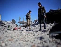 Kobani'de gazeteci ordusu!