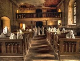 Bu kilisede 8 bin ceset var!