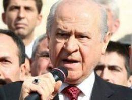 Bahçeli'den Erdoğan ve Davutoğlu'na sert eleştiri