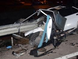 Bariyer otomobile girip 3 kişi öldürdü