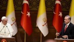 Erdoğan'dan Papa'ya sitem