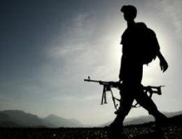 Uludere'da askere taşlı gaz bombalı saldırı