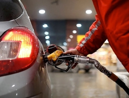 Benzin ve motorine yeni bir zam daha