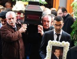 Nüfusunda İslam yazıyor cenazesi kiliseden kalktı!