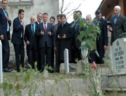 O isim Tayyip Erdoğan'ın mezarı başında!