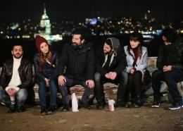 Ulan İstanbul 27. bölüm Ferdi Derya'yı ilk kez öper
