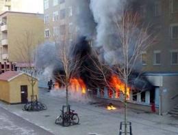 İsveç'te bir cami daha yakıldı!