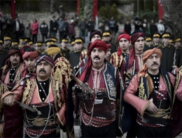 Atatürk'ün gelişini kutladılar! Ankara'da büyük coşku...