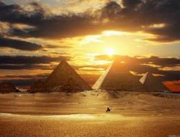 Piramitlerin gizemi çözüldü! Meğer o taşlar..