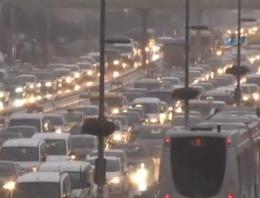 İstanbul'da köprü çilesi! Trafik felç!