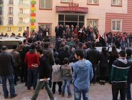 Diyarbakır'da halaylı Kobani kutlaması