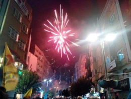 İstanbul'un iki yakasında Kobani coşkusu