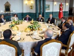 Cumhurbaşkanı ve Haşim Kılıç aynı masada!