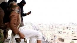 IŞİD'ten kan donduran infaz! Eşcinsel diye...