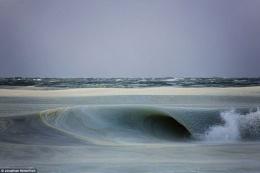 Soğuktan dalgalar bile dondu...