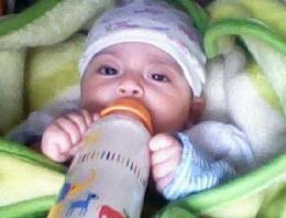 Anne babası 4 aylık bebeği ölüme terketti!