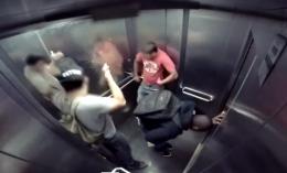 İshal olan adam asansörde sıkışırsa...