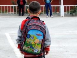 Bir yılda 234 bin öğrenci okulu terk etti!