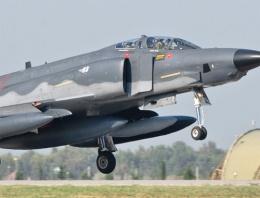 Suriye'den Türk F-16'larına taciz!