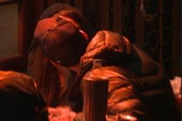 Gupse Özay sevgilisiyle dudak dudağa!