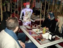 Karşınızda Türk yapımı garson robot