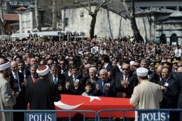 Şehit Savcı Kiraz'ın cenazesinde çekildi
