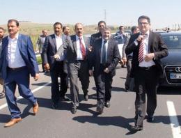 AK Parti Şanlıurfa adaylarının yolu kesildi!