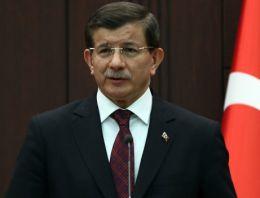 Davutoğlu Mustafa Akıncı'yı tebrik etti!