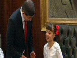 Davutoğlu koltuğu devretip sufleyi verdi