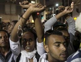 İsrail'de ırkçı polis şiddeti: 30 gözaltı!