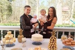 Dünyanın en garip ailesi! Aynı anda hamile kaldılar