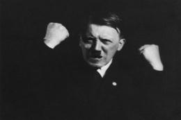 Nazi lideri Hitler'in ilk kez yayınlanan fotoğraf albümü