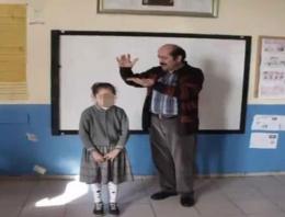 Müdür öğrencilerin başından para saçtı