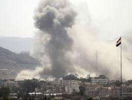 Sınırda bomba yüklü araç patladı: 15 ölü!